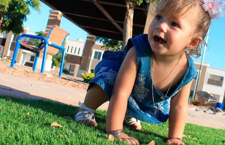 10 consejos para tener seguridad cuando el bebé empieza a caminar