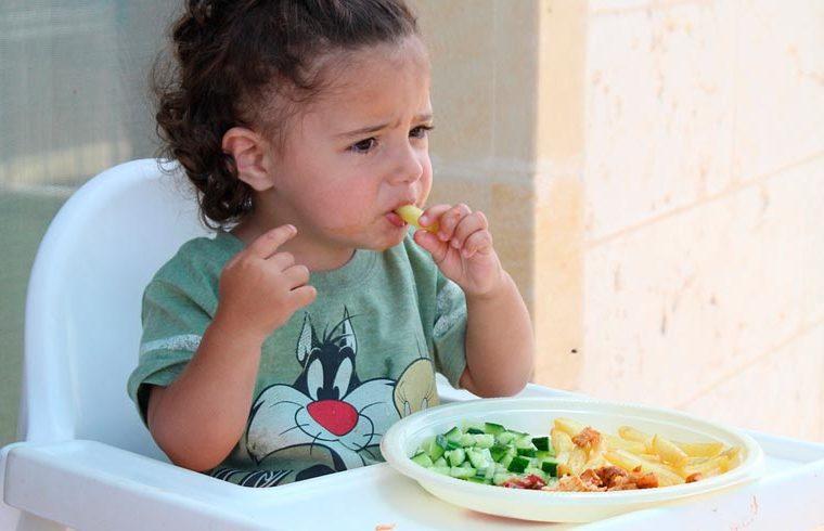 Los alimentos que provocan más atragantamiento en los bebés